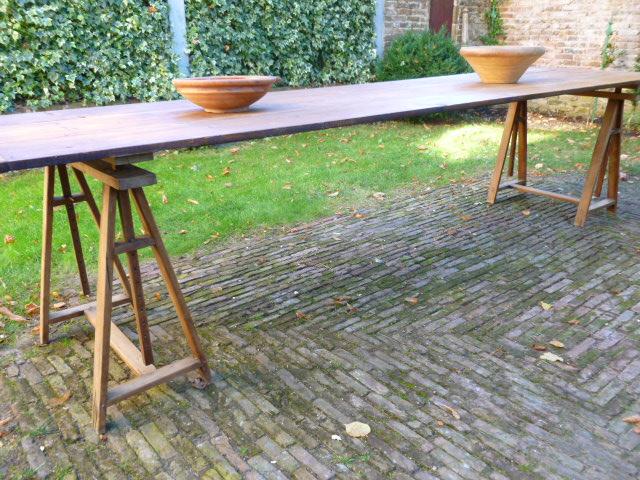 Braderie tafel afm ca cm incl schraag hout