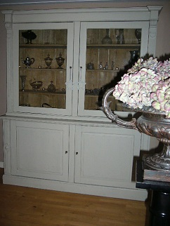 http://www.toonkamerwebshop.nl/wp-content/uploads/2017/02/antiek-franse-tafel-3.jpg