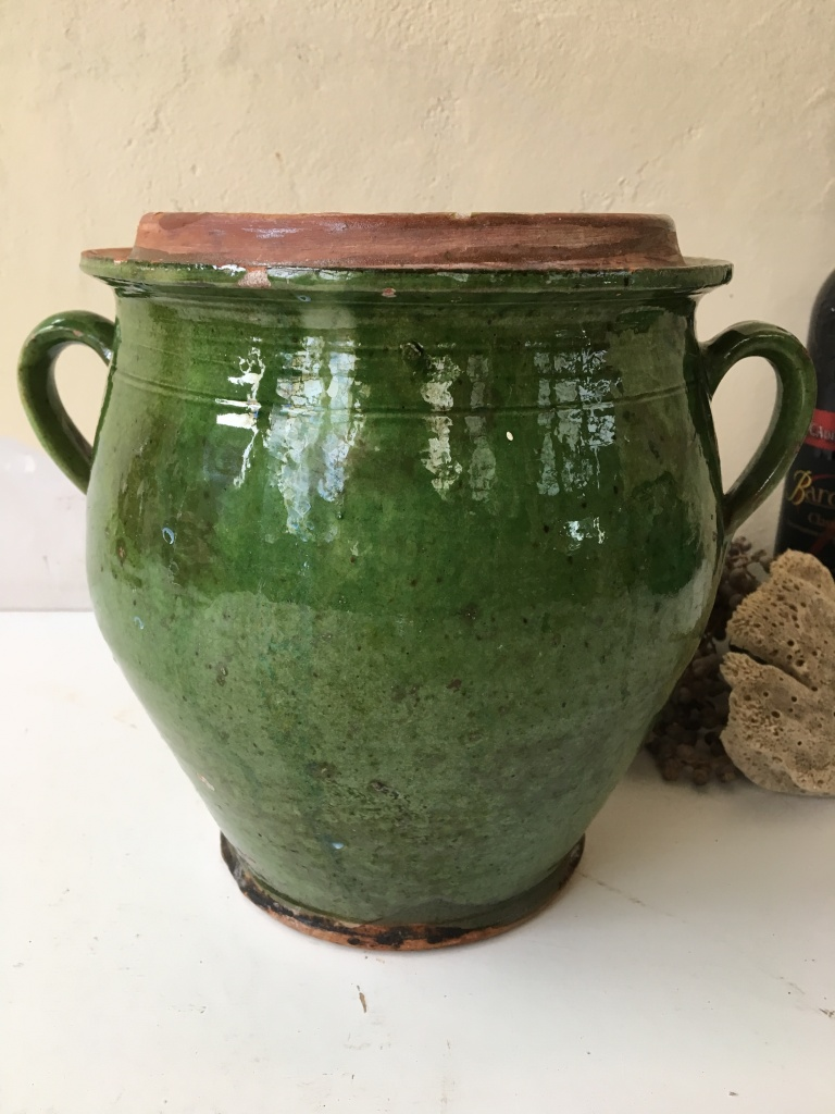 http://www.toonkamerwebshop.nl/wp-content/uploads/2018/08/aardewerk-pot-groen-Drôme-Frans-www.toonkamerwebshop.nl-1-2.jpg